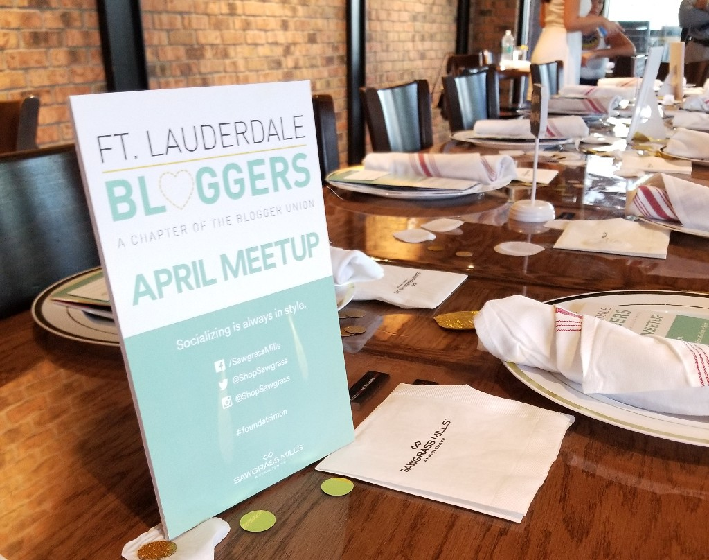 Sawgrass Mills sponsors Ft Lauderdale bloggers meetup.